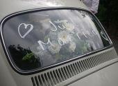 Die Kfz-Versicherung bei Hochzeit informieren